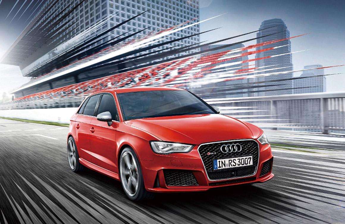 新型Audi RS 3 Sportbackを発売