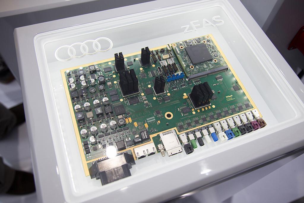 人工知能を用いた自動運転: アウディ、エレクトロニクス業界のトップ企業と連携を図る