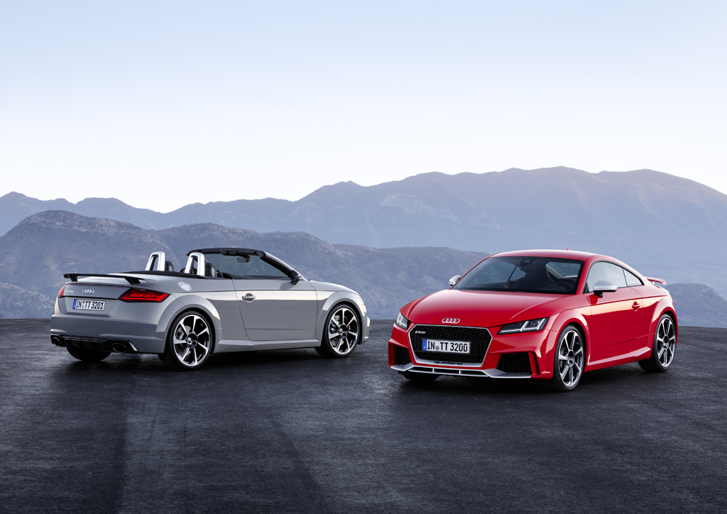 新型Audi TT RS Coupé / TT RS Roadsterを発売