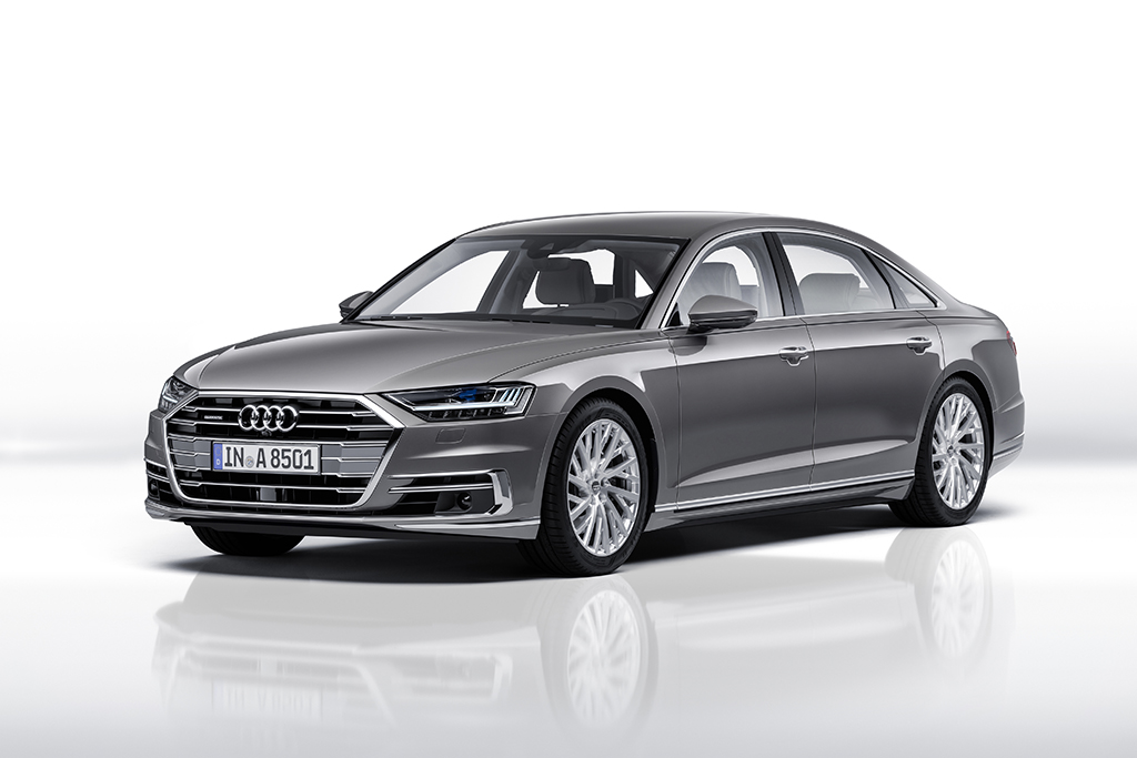 新型 Audi A8:ラグジュアリークラスの未来 —Tokyo Motor Show 2017/参考出展車—