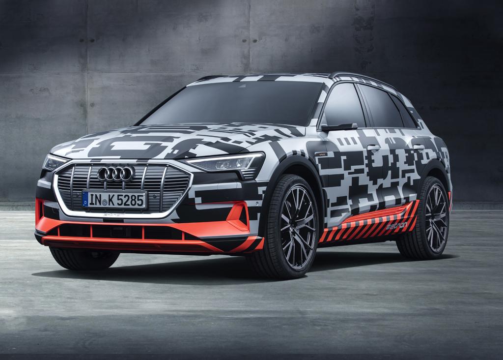 Audi e-tronのプロトタイプ:アウディ初の電気自動車をプレビュー