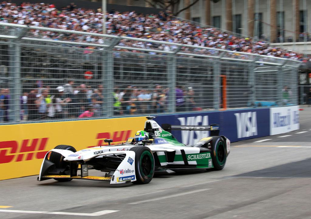 フォーミュラE第7戦で、ルーカス ディ グラッシが2位表彰台を獲得