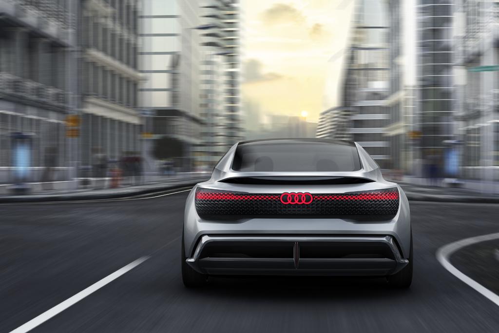 アウディ、新たな企業戦略で2025年に80万台の電動化モデルの販売を計画