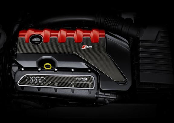 アウディ2.5 TFSIエンジンが9年連続でインターナショナル エンジン オブ ザ イヤーを受賞