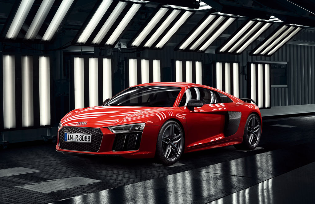Audi R8, Audi R8 Spyderの一部装備、価格変更のお知らせ