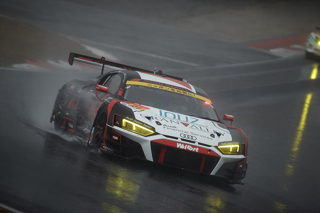 SUPER GT開幕戦、大波乱の中Audi R8 LMSは13位完走