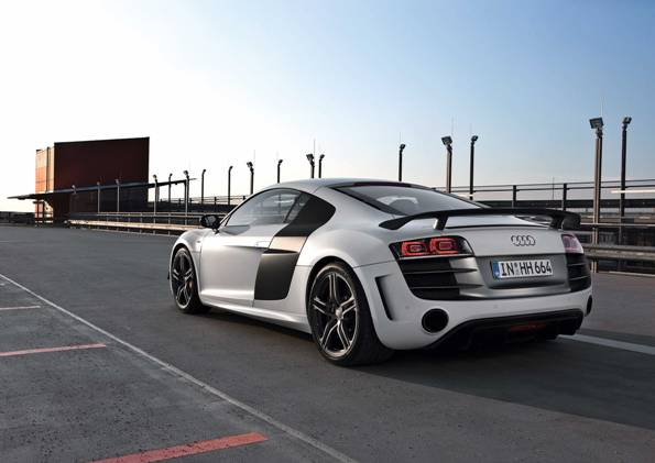 Audi R8 GT、超軽量構造と強烈なパフォーマンスで本国デビュー