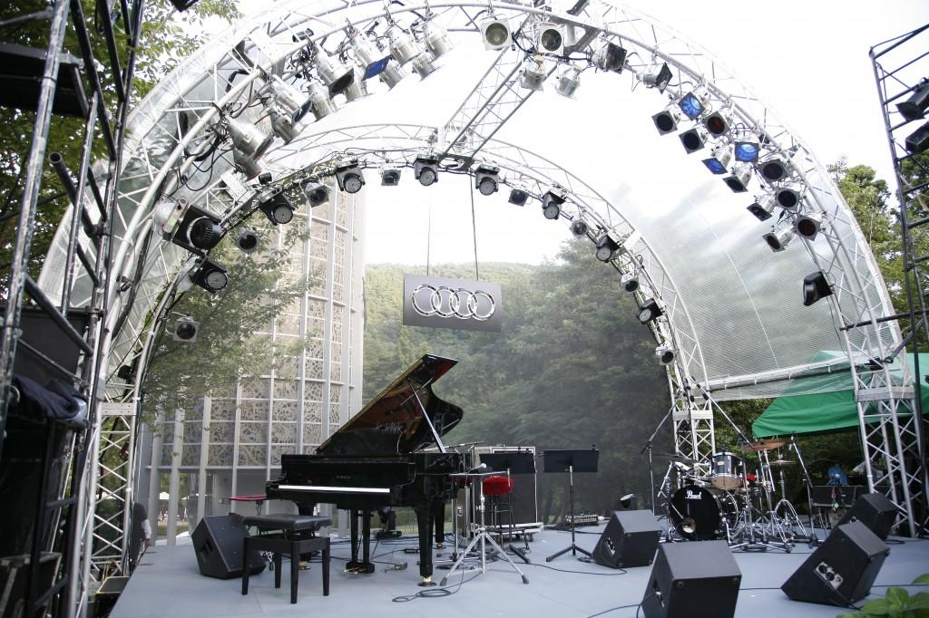Audi MUSIC meets ART(アウディ ミュージック ミーツ アート) 2011開催 10月8日、9日の2日間、ゲストに「bird」が登場