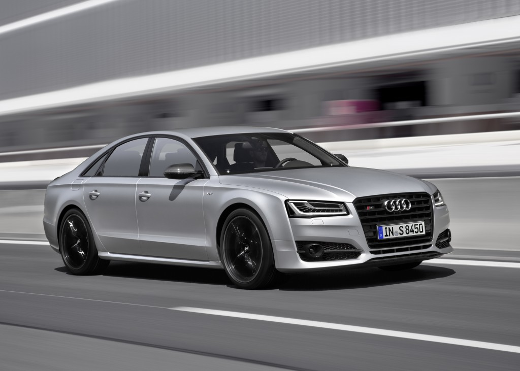 Audi S8 plusを発売